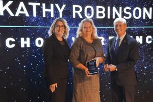 Kathy Robinson receives award