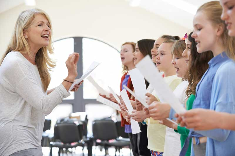 teacher singing class